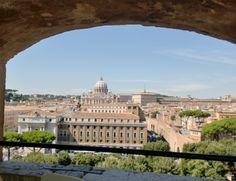 Vista de la Basílica de San Pedro en el #Vaticano desde el interior del #CastelSantAngelo, #Roma. http://www.viajararoma.com/?page=monumentosvaticano.php #turismo #viajar