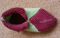 Knit 8 square motif of booties model