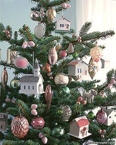 Winter Village Tree @ http://www.marthastewart.com/275166/christmas-tree-decorating-ideas/@center/307034/christmas-workshop#/266650