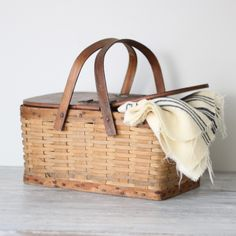 i've been feeling obsessed with simple brown woven picnic baskets lately. just seem useful in so many ways around the house, in the trunk, picnic for picnic picnic Picnic Time, Summer Picnic, Old Suitcases, Company Picnic, Basket Bag, Country Kitchen, Picnic Baskets, Wicker, Brown