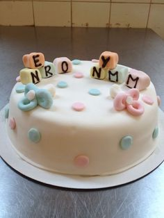 The cake naomi made for nymm and nero 's birth
