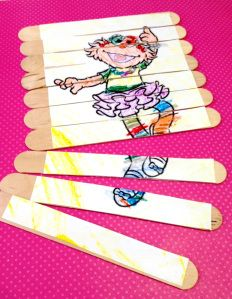 make your own simple puzzles with mod podge and popsicle sticks - Teacher life - Popsicle Stick Crafts, Popsicle Sticks, Craft Stick Crafts, Wood Crafts, Craft Ideas, Craft Party, Make Your Own, Make It Yourself, How To Make
