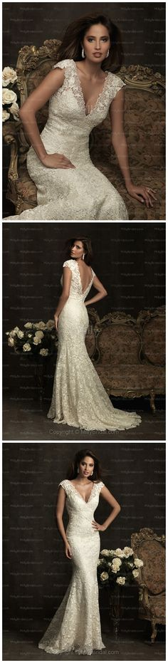 amazing! beautiful low back. lace. flowy.