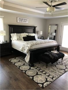 Favorite Farmhouse Master Bedroom Design Ideas To Try – Bedroom 2020 Farmhouse Master Bedroom, Master Bedroom Makeover, Master Bedroom Design, Home Decor Bedroom, Master Suite, Black Bedroom Furniture, Couple Bedroom Decor, Adult Bedroom Ideas, Black Master Bedroom