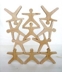 balancing toy - These are cool - maybe sheldon could cut these - CJ Wood Projects, Woodworking Projects, Wood Crafts, Diy And Crafts, Wood Games, Stacking Toys, Homemade Toys, Wooden Puzzles, Jigsaw Puzzles