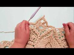 YouTube Giraffe Crochet, Crochet Carpet, Crochet Wool, Crochet Mandala, Crochet Stitches Patterns, Knit Or Crochet, Crochet Designs, Crochet Doilies, Crochet Bracelet