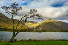 Have you ever noticed that in the movies all the people in Scotland are always wearing rubber boots? I found out why on my first photo shoot in Scotland at Kilchurn Castle on the banks of Loch Awe.