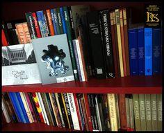 """Dice el proverbio hindú que """"un libro abierto es un cerebro que habla; cerrado, un amigo que espera; olvidado, un alma que perdona; destruido, un corazón que llora."""" ¿Y libre? ¿Qué es un libro libre? Pronto lo comprobaremos. El Museo Art Nouveau y Art Déco prepara una sorpresa para el día del libro... Os damos una pista: #bookcrossing #bookcrossingmusas ¡Esperamos y deseamos que os guste y que nos llevéis con vosotros más allá de la Casa Lis!"""