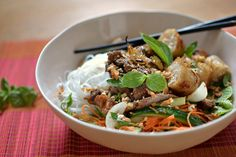 Vietnamese beef bo bun: the real recipe, easy and homemade - Cuisine d ailleurs - Asian Recipes Easy Smoothie Recipes, Healthy Smoothies, Healthy Snacks, Vegetarian Recipes, Cooking Recipes, Healthy Recipes, Cooking Tips, Asian Recipes, Healthy Smoothie Recipes