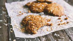 Biscotti al cocco http://winedharma.com/it/dharmag/febbraio-2015/come-preparare-i-biscotti-al-cocco-e-fiocchi-davena-la-ricetta-perfetta