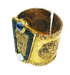 Byzantine Cuff with Enamel and Cabochons. Byzantine Jewelry, Ancient Jewelry, Antique Jewelry, Vintage Jewelry, Handmade Jewelry, Gold Jewellery Design, Gold Jewelry, Fine Jewelry, Designer Jewelry
