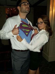 75 Easy DIY Couples Halloween Costumes - 75 Easy DIY Couples Halloween Costumes – Prudent Penny Pincher Source by taylorblomenkam - Halloween Tags, Easy Couple Halloween Costumes, Easy Couples Costumes, Modern Halloween, Halloween Outfits, Halloween Couples, College Couple Costumes, Easy Halloween, Easy Diy Costumes