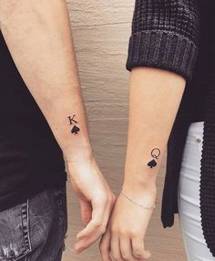 10 Tatuajes hipsters que tú y tu novio ya no se deben hacer 10 Tattoos Hipster that you and your friend should not do anymore Tattoos Hipster, Arm Tattoos, Finger Tattoos, Love Tattoos, Body Art Tattoos, Tattoos For Women, Tattos, Awesome Tattoos, Tattoo Arm