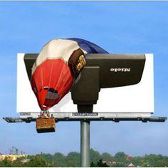 Die Saugkraft des Miele Staubsaugers brachte amerikanische AutofahrerInnen mit dieser Sensation Marketing Aktion ins Staunen. Auf einer Plakatwand war ein Staubsauger abgebildet, der einen Heißluftballon, scheinbar durch die Saugkraft, vom Himmel saugte.