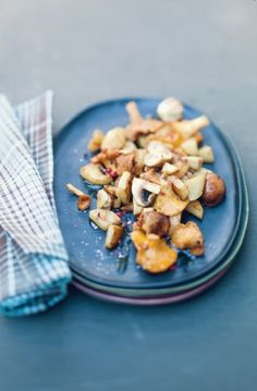 Topinambours poêlés aux champignons Rutabaga, What You Eat, Appetisers, Mushroom Recipes, Potato Salad, Oatmeal, Stuffed Mushrooms, Potatoes, Diet