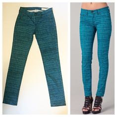 """Rag & Bone Turquoise Tweed Print Jeans Cotton blend skinny jeans in a stylish turquoise tweed design. Zip fly and 5 pocket styling. Excellent condition. Measurements: waist 29"""", hips 34"""", rise 8.5"""", inseam 28.5"""", leg opening 5.5"""". Fabric is 96% cotton/4% rioca, rag & bone Jeans Skinny"""