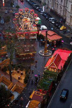 Weihnachtsmarkt, christmas market Braunschweig, Germany -- repinned by www.mybestgermanrecipes.com