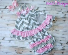 Adorable swing top and bloomers set...baby outfit..baby bloomers set..chevron print bloomers set