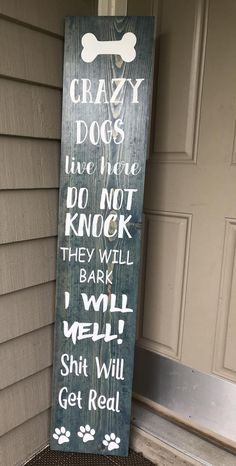 CRAZY DOGS porch board/The original creator of Crazy dogs live here/barking dog sign/crazy dog sign/porch board – Simple DIY Projects Decoration Hall, Decoration Christmas, Decoration Bedroom, Dog Room Decor, Living Room Decor, Cheap Home Decor, Diy Home Decor, Funny Home Decor, Wood Home Decor