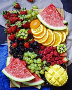 24 Ideas For Breakfast Fruit Platter Brunch Ideas Fruit And Vegetable Diet, Fruits And Vegetables, Vegetables List, Seasonal Fruits, Vegetable Slicer, Fall Fruits, Vegetable Salad, Veggie Food, High Fiber Fruits