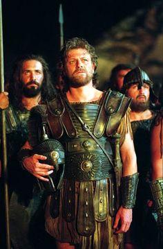 Troy (2004) - Movie Still Troy Movie, Troy Film, Brad Pitt, City Of Troy, Greek Soldier, Eric Bana, Sean Bean, Greek Warrior, Trojan War