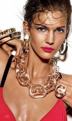 Acrylic Jewelry Giampaolo Sgura (Photographer) Anya Ziourova (Stylist) | Purely Inspiration | Purely Inspiration