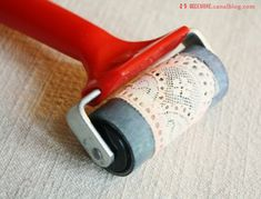 ~Do your own lace stamping roller with a piece of vintage lace ♥ Could use this in some of your polymer clay projects~ Pottery Techniques, Art Techniques, Clay Projects, Diy Projects To Try, Arts And Crafts, Paper Crafts, Diy Crafts, Fabric Crafts, Pottery Tools