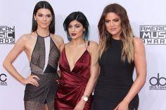 cotibluemos: Kim Kardashian y sus hermanas, son vetadas en Holl...