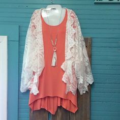 Tunic with pockets (S, M) $23.98 with white lace kimono (M/L) $47.97 #trendy #boutique #beautiful #vintagedragonflyboutique