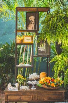 Em clima de pic nic chic no belíssimo jardim da Casa Aragon, a decoradora Carla Campos da Flor & Forma arrasou e deixou o cenário perfeito com a delicadeza de suas flores, junto aos móveis da Artemobi, tapetes By Kamy e almofadas Tissu. #PicNicChicYW