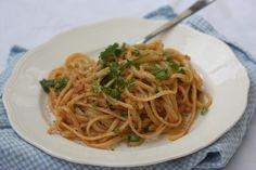 Lettvint pasta med krabbe, chili og hvitløk – Bollefrua