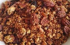 Banting Granole - When you feel like having some cereals or corn flakes for a snack, don't - this Banting granola is more tasty and way more healthier Banting Breakfast, Low Carb Breakfast Easy, Low Carb Cereal, Muesli Recipe, Banting Recipes, Corn Flakes, Homemade Muesli, Granola, Keto