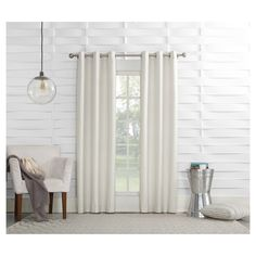• 100% polyester construction<br>• Reduces heat and noise<br>• Energy efficient<br>• Room darkening<br>• Includes 1 panel<br>• Machine washable for easy care<br><br>Block excessive heat and noise with the Sun Zero Haverhill Thermal-Lined  Curtain Panel. This attractive panel does double duty by keeping your space dark and quiet, as well as adding a timeless look to your décor.