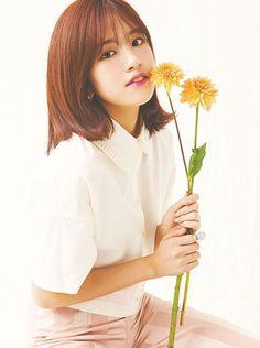 Kpop Girl Groups, Korean Girl Groups, Kpop Girls, Japanese Song, Japanese Girl Group, Yu Jin, Korea Fashion, Her Smile, The Wiz