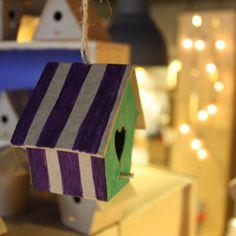 Las casitas de pajaros nos encantan para decorar el jardin, el cuarto de los niños... Y son personalizables! #DIY #Hosten #decoracion #niños #manualidades