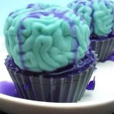 Halloween Zombie brain cupcake soaps for the zombies in your bath tub. Halloween gifts and party favors . A every walking dead fan loves to bathe in zombie brains. Brain Cake, Brain Cupcakes, Zombie Birthday Parties, Zombie Party, Birthday Ideas, Happy Birthday, Cupcake Soap, Cupcake Cakes, Baby Cakes