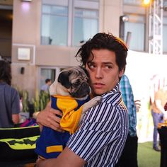 Cole Sprouse and Doug the Pug Cole M Sprouse, Sprouse Bros, Cole Sprouse Jughead, Dylan Sprouse, Riverdale Cw, Riverdale Funny, Riverdale Memes, Riverdale Poster, Vanessa Morgan
