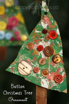 button christmas tree ornaments - happy hooligans - kid's xmas craft (maybe marble paint with red, white, and yellow/gold on green paper) @Jamie Carter Todd