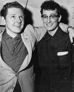 Jerry Lee Lewis and Buddy Holly on tour, The Nifty Fifties I don't think this is Jerry Lee Lewis. Jerry Lee toured with Buddy. Rock Roll, 50s Rock And Roll, Rock N Roll Music, Jerry Lee Lewis, Alter Ego, Genre Musical, 50s Music, Vintage Music, Ritchie Valens