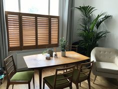Choose the best window shutters. Wood Shutters, Window Shutters, Buy Windows, Cafe Style, Natural Wood, Blinds, Curtains, Table, Inspiration