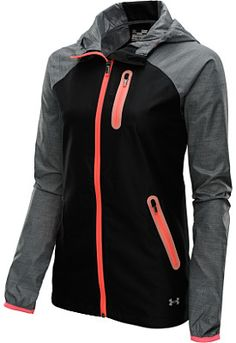 Look good and train harder in this jacket. A little drizzle won't slow you down--the jacket is wind and water resistant.