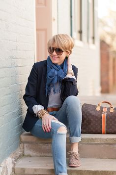 Love how she ties the scarf - also navy and blue + a touch of coral