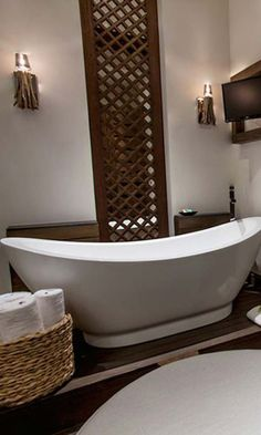 The bathroom set up at Nizuc Resort & Spa, Mexico has a great set-up. What I loved were the L'Occitane Mer & Mistral toiletries. Worth noting - the hotel offered an all-natural insect repellant, which smelled amazing and, most importantly, did what it was