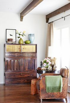 Inside a Bungalow That Maximizes Its Small Space// vintage leather chair