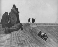 Bernd Rosemeyer at the Avus, Berlin, 1937 Valentino Rossi, Riva Boat, Auto Union, Sports Car Racing, Auto Racing, Old Race Cars, Vintage Race Car, Racing Motorcycles, Grand Prix