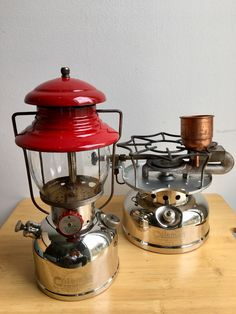 Coleman Model 200 & Coleman Speedmaster 500 A40 #Thailandcampingclub #outingstyle Coleman Stove, Small Stove, Wood Stove Cooking, Coleman Lantern, Coleman Camping, Hunting Humor, Gas Lanterns, Lantern Lamp, Camping Stove