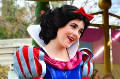 An Enchanting Snow White by EverythingDisney, via Flickr