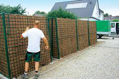 sichtschutz garten selber bauen glaszaun paneele terrasse. Black Bedroom Furniture Sets. Home Design Ideas