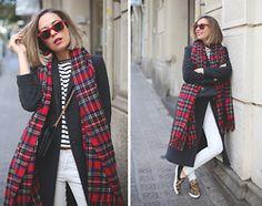 My Showroom Priscila - Pull & Bear Scarf, Saint Laurent Bag, Aldo Sneakers, Zara Jeans, Ray Ban Sunnies - Maxi Coat