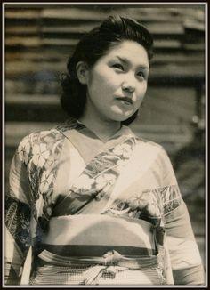Portrait of My Wife , 1942. Kansuke Ymamoto. ©Toshio Yamamoto.